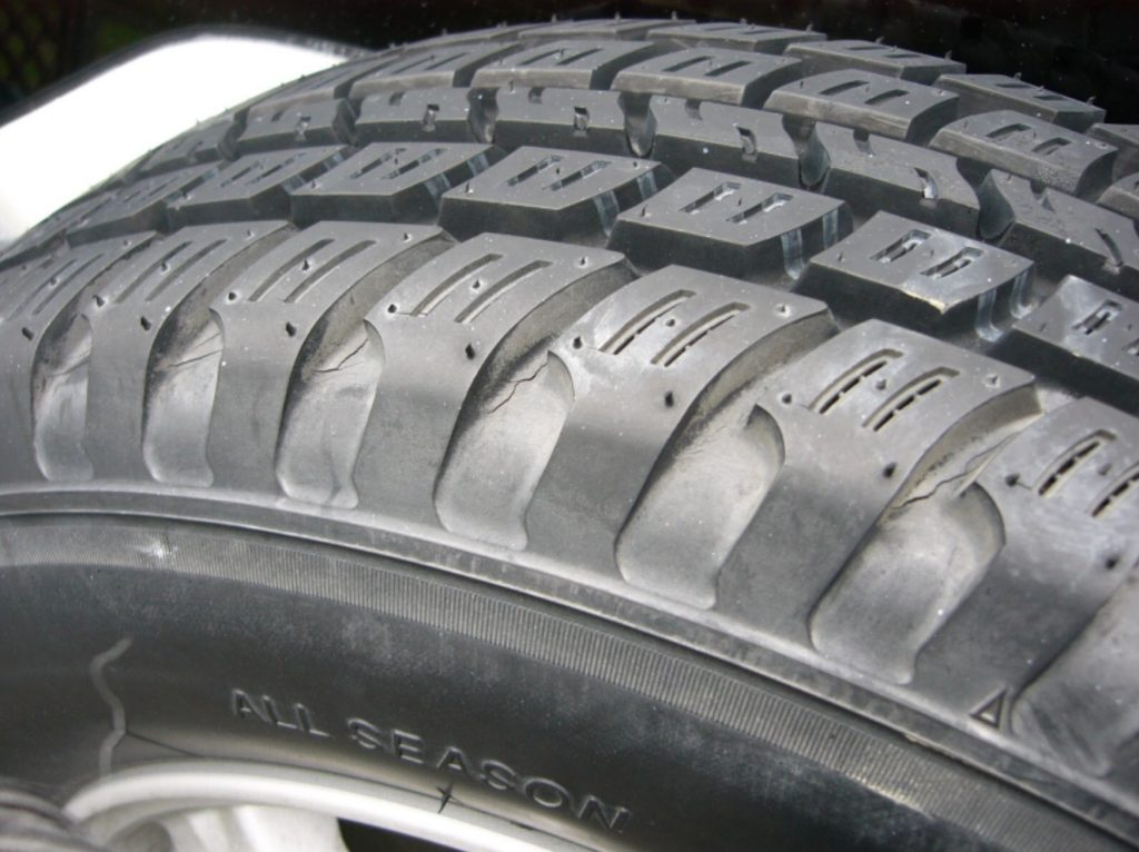 An image of an all-season tyre